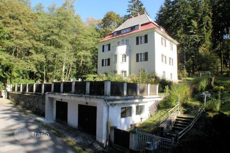 Houses for sale in Karlovy Vary Region. A classical villa of the architects Forberich and Gibitz, three floors plus loft and attic in a quiet part of the centre of Marianske Lazne