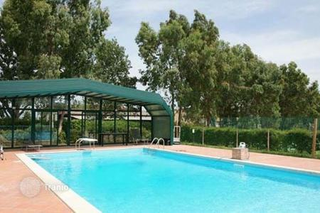 Villas and houses for rent with swimming pools in Tuscany. Villa – Chianni, Tuscany, Italy