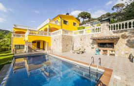 Luxury 4 bedroom houses for sale in Costa del Maresme. Villa – Cabrils, Catalonia, Spain