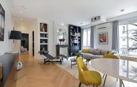 1 bedroom apartments for sale in Paris. Paris 4th District – A superb over 70 m² apartment sold beautifully furnished