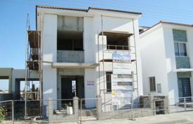 4 bedroom houses for sale in Livadia. Four Bedroom Linked Detached House-Reduced
