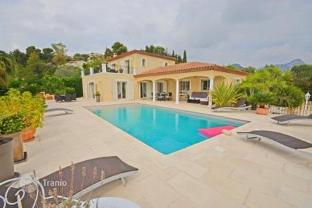4 bedroom houses for sale in Vence. Villa – Vence, Côte d'Azur (French Riviera), France