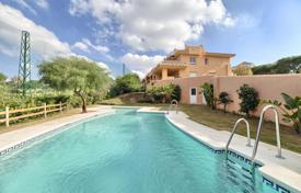 Townhouses for sale in Costa del Sol. Town House for sale in Cabopino, Marbella East