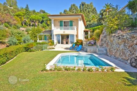 Luxury 4 bedroom houses for sale in Cannes. Villa – Cannes, Côte d'Azur (French Riviera), France
