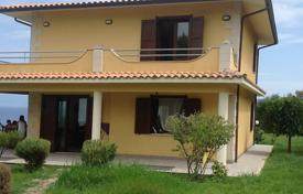 Property for sale in Calabria. Detached furnished villa with a garden close to Briatico, Calabria, Italy