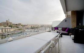 Property for sale in Malta. Ta'Xbiex, Fully Furnished Penthouse