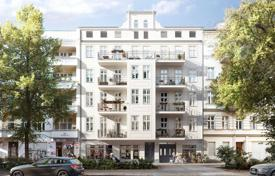 Residential for sale in Kreuzberg. Apartment for renovation in a historic building in the central district of Berlin, Kreuzberg