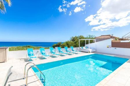 3 bedroom villas and houses to rent in Cyprus. Idyllic setting, beautiful views and perfect interior, this fabulous villa with private pool is situated on a quite area of Protar