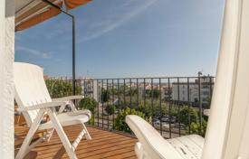 4 bedroom apartments by the sea for sale overseas. The apartment in Sitges, Spain