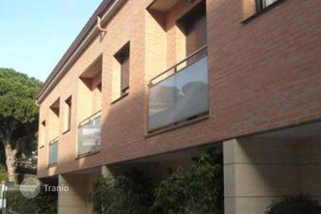 Townhouses for sale in Cabrils. Terraced house – Cabrils, Catalonia, Spain