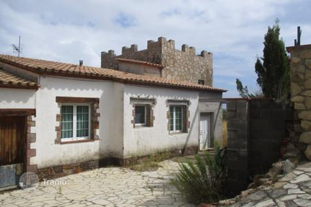 Foreclosed 4 bedroom houses for sale in Europe. Villa – Kalonji, Catalonia, Spain