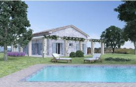 Off-plan houses with pools for sale in Marche. Country house in Arcevia