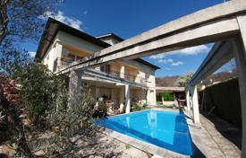 Property for sale in Lourdes. Modern villa with a pool and a separate apartment, near the city center, Lourdes, France