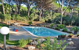 3 bedroom villas and houses to rent in Italy. Villa – Roccamare, Tuscany, Italy