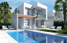 Luxury detached villa with private pool in Finestrat for 500,000 €