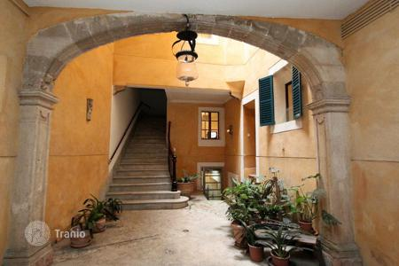 Offices for sale in Spain. Office in a historical gothic part of the Palma de Mallorca, Majorca, Balearic Islands, Spain