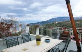 Residential for sale in Campania. SORRENTO In stately park just built as part of the hill prospettante the Gulf of Naples offer for sale a lov[…]