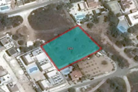 Land for sale in Peyia. 2,007 m² Plot in Peyia with sea view