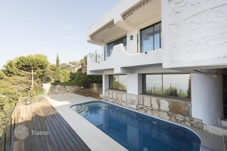 Luxury 4 bedroom houses for sale in Costa Brava. Villa – Roses, Catalonia, Spain