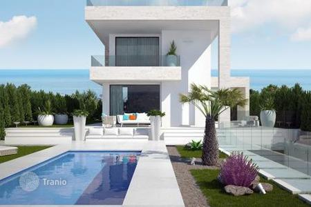 Houses with pools from developers for sale in Southern Europe. Modern villa en Orihuela, Spain