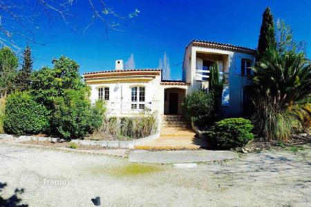 Cheap houses for sale in France. Beautiful spacious 4 bedroom Villa