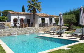 Ramatuelle — New villa 5 mn walk from Pampelonne. Price on request