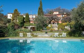 Luxury houses with pools for sale in Grasse. Villa – Grasse, Côte d'Azur (French Riviera), France