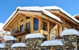 Villas and houses to rent in Savoie. Chalet – Savoie, France