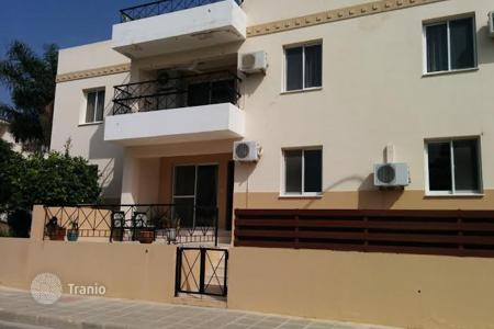 Cheap apartments with pools for sale in Oroklini. Two Bedroom Ground Floor Apartment with Title Deeds