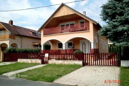 5 bedroom houses for sale in Zala. Detached house 600 m from the northern shore of Lake Balaton near Keszthely and Hévíz