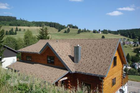4 bedroom houses for sale in Todtnau. Large wooden blockhouse on a sunny plote in Todtnau