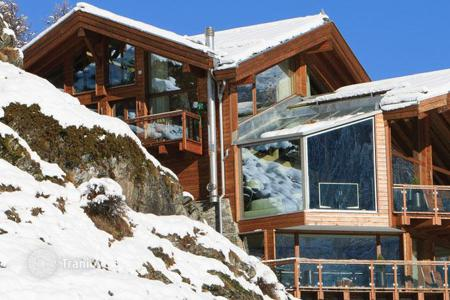 5 bedroom villas and houses to rent in Switzerland. Chalet – Zermatt, Valais, Switzerland