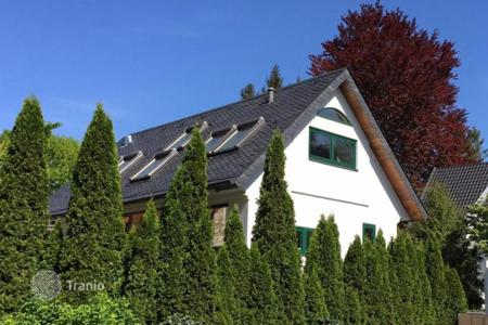 Houses for sale in Bavaria. An interesting villa in a suburb of Munich