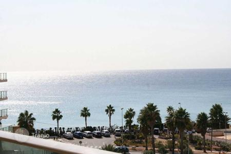 Cheap 2 bedroom apartments for sale in Calpe. Apartment 300 meters from the beach and with sea views in Calpe