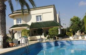 4 bedroom houses for sale in Elche. 4 bedroom country house with private pool in the outskirts of Elche, countryside