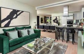 Luxury residential for sale in London. Modern two-bedroom apartment with a terrace in a new residential complex, London, UK
