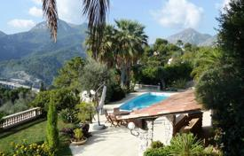 Houses with pools for sale in Menton. Villa – Menton, Côte d'Azur (French Riviera), France