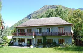 Residential for sale in Occitanie. Villa in traditional local style with a spacious garden and a beautiful view of the mountains, Luz-Saint-Sauveur, France
