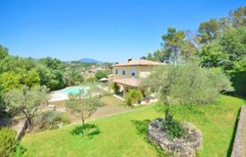 4 bedroom houses for sale in Muan-Sarthe. Villa – Muan-Sarthe, Côte d'Azur (French Riviera), France