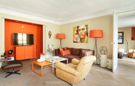 2 bedroom apartments for sale in Paris. Paris 9th District – An entirely renovated over 100 m² apartment