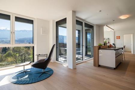 New homes for sale in Tyrol. Two-bedroom apartment with a balcony, near the park, in the new house, Innsbruck, Austria