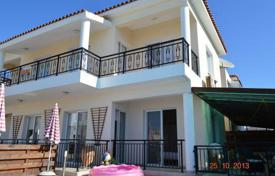 2 bedroom apartments by the sea for sale in Paphos (city). NEW! Lovely 2 bedroom apartment with large verandas, Universal