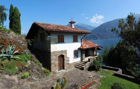 Luxury 6 bedroom houses for sale in Italy. Villa – Lake Como, Lombardy, Italy
