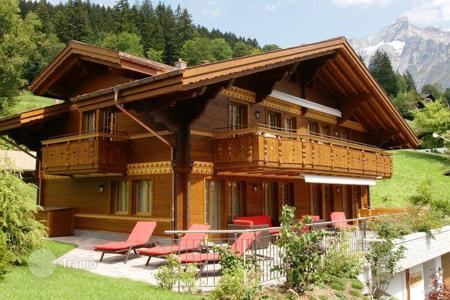 4 bedroom houses from developers for sale in Europe. A beautiful chalet in the heart of Grindelwalden