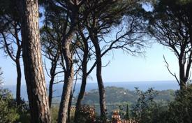 Development land for sale in Costa Brava. Land near the city center, Begur, Spain