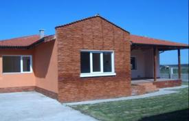 4 bedroom houses for sale in Dobrich Region. Spacious house with a garden for sale near the sea