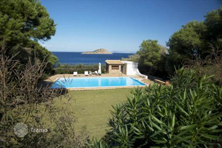 Luxury houses with pools for sale in Greece. Villa - Porto Rafti, Attica, Greece