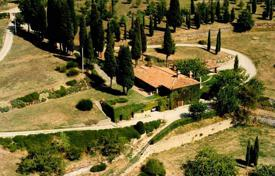 Traditional stone villa in Arezzo, Tuscany, Italy for 1,400,000 €