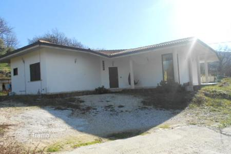 3 bedroom houses for sale in Abruzzo. Property in Lettomanoppello, Pescara. Italy