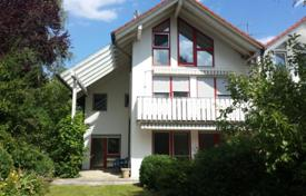 6 bedroom houses for sale in Bavaria. Cozy house overlooking the lake with a private garden and a garage, Starnberg, Germany